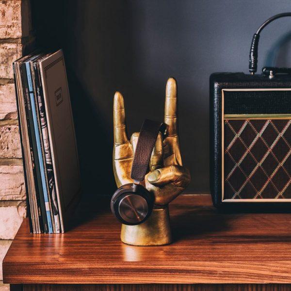 Rock On headphone stand 2